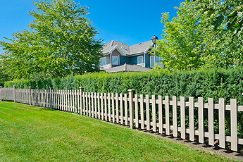 Beautiful wooden Fence in Hanover Park IL