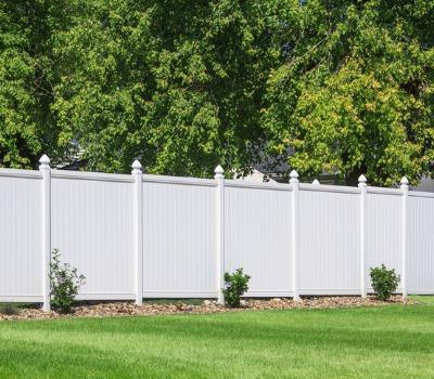 A white Privacy Fence in Aurora IL
